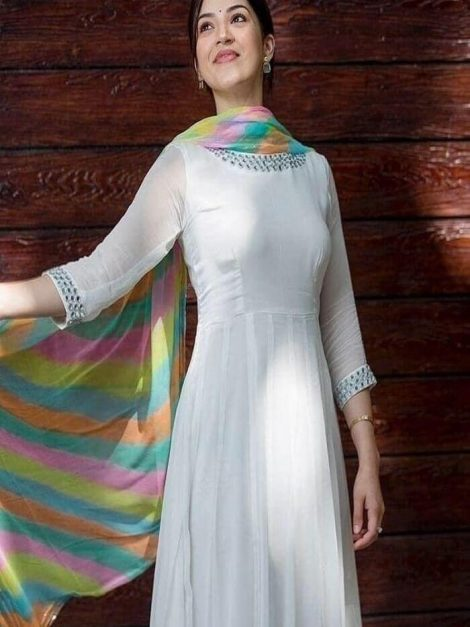 Beautiful gown with thread work-rt01a