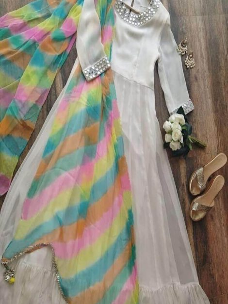 Beautiful gown with thread work-rt01aa